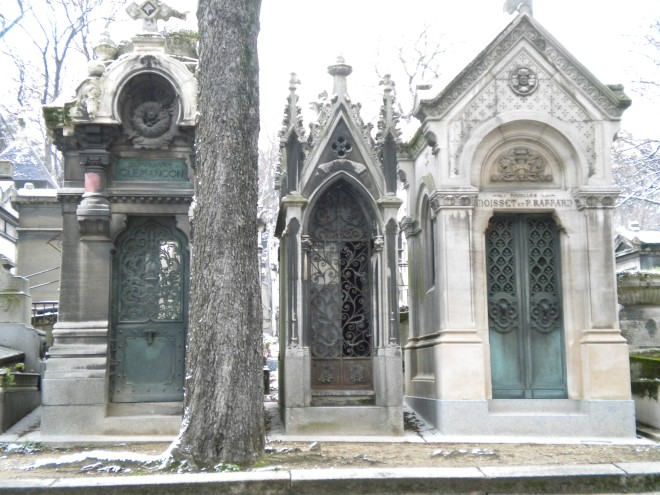 Père Lachaise Cemetery, Jim Morrisons grave, Jim Morrison burried, Jim morrison cemetery, oscar wilde, mozart, sandra bernhardt, abelard and heloise, tour of Père Lachaise Cemetery, photos Père Lachaise Cemetery, Oubliette, Oubliette thriller, Oubliette horror, Vanta M. Black, oubliette, oubliette the book, Oubliette--A Forgotten Little Place, Oubliette a forgotten little place, a forgotten little place, inspiration for Oubliette, scary stories oubliette, vanta black, vantablack